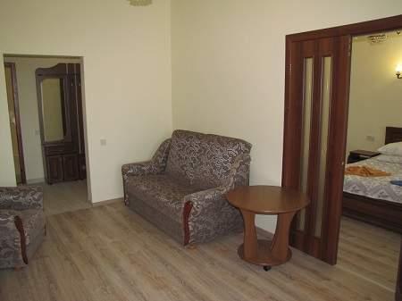 Санаторій Воєнний Трускавецький 2-кімнатний Люкс (1 корпус)