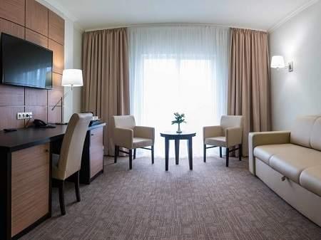 Отель Green Park Hotel Полулюкс