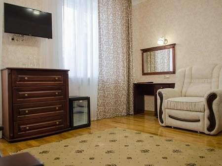 Отель Нафтуся Полулюкс