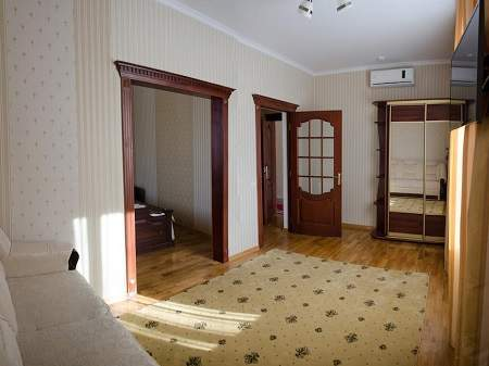 Отель Нафтуся Люкс