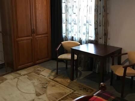 Готель Red Stone (Ред Стоун) Напівлюкс з джакузі і сауною