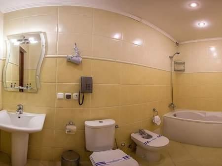 Отель Пятый Океан 2-комнатный Люкс