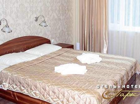 Готель Парк Півлюкс