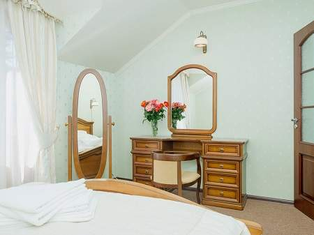 Отель Золотая Гора Полулюкс