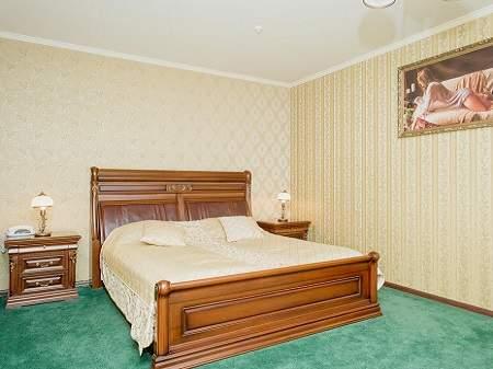 Отель Золотая Гора Люкс