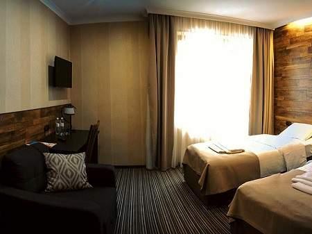 Отель Золотая Гора Делюкс