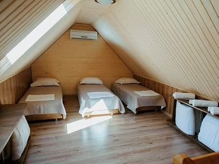 Готель Чорна Гора 5-місний Напівлюкс